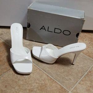 Aldo heels * regarding Size * U.S.8.5/9